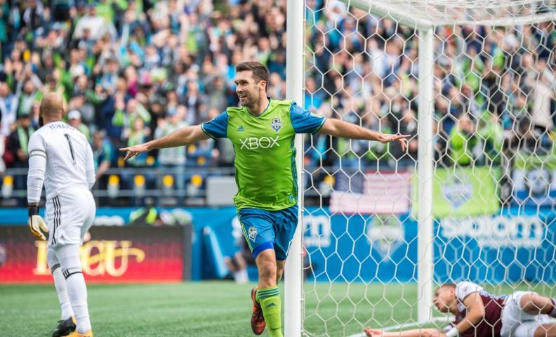 WIl Bruin celebrates goal jpg