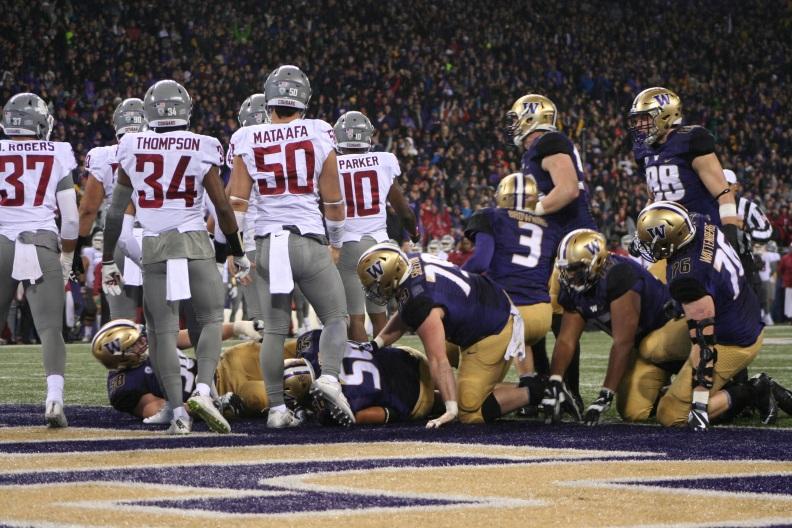 Husky offense scores a touchdown