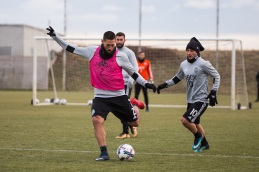 Clint Dempsey takes a shot. ( Sounders FC)