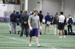 Ben Burr-Kirven prepares for drills. ( Cascadiasports.net)
